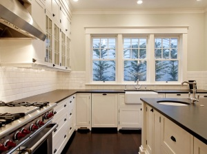 Hamptons style kitchen in black and white