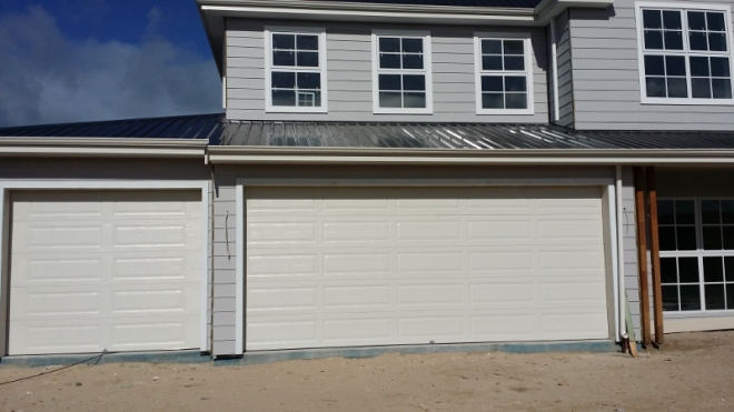 garage doors in surfmist