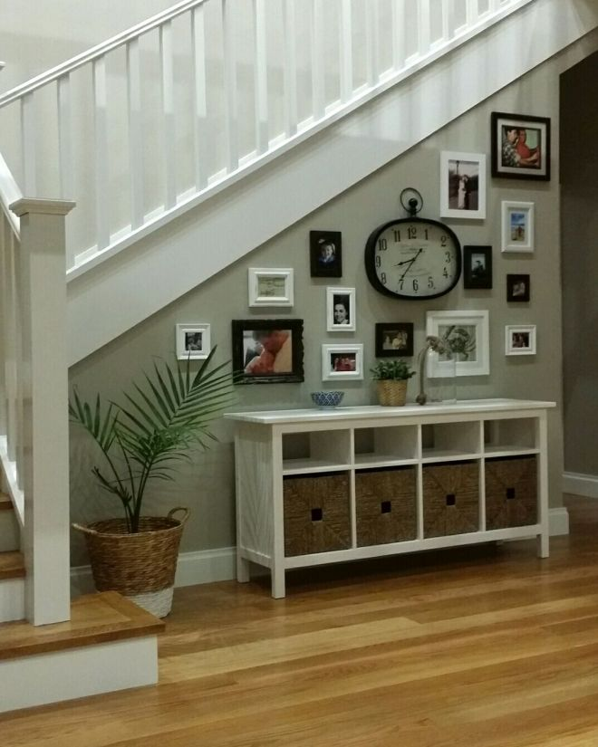 Stairwell picture gallery, hall table - Hemnes by Ikea